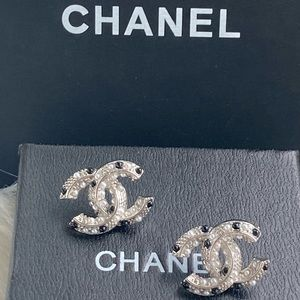 Chanel Silver CC Earrings